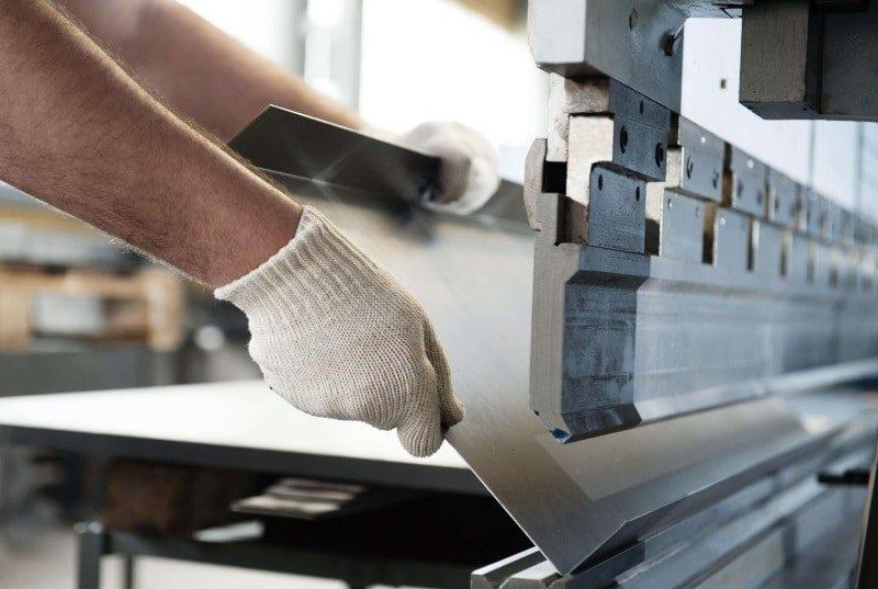 изготовление и производство металлической входной двери